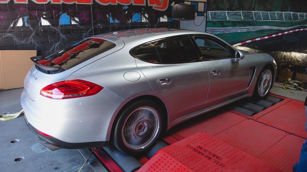 Porsche Panamera 3.0 Turbo VR tuned Tuning box -13