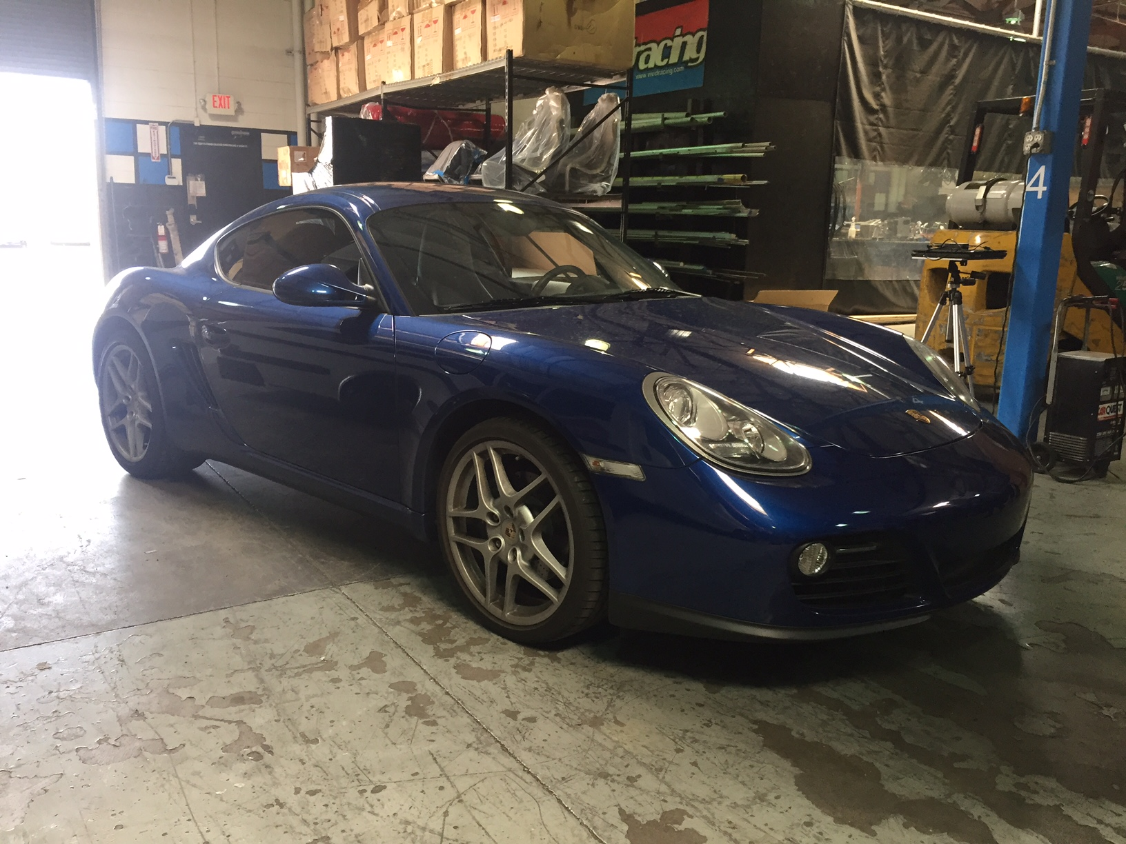 987-27l-cayman-flash-3