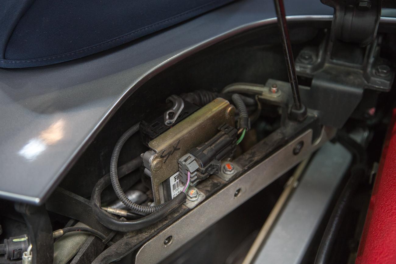 ECU Removal Ferrari 360-11