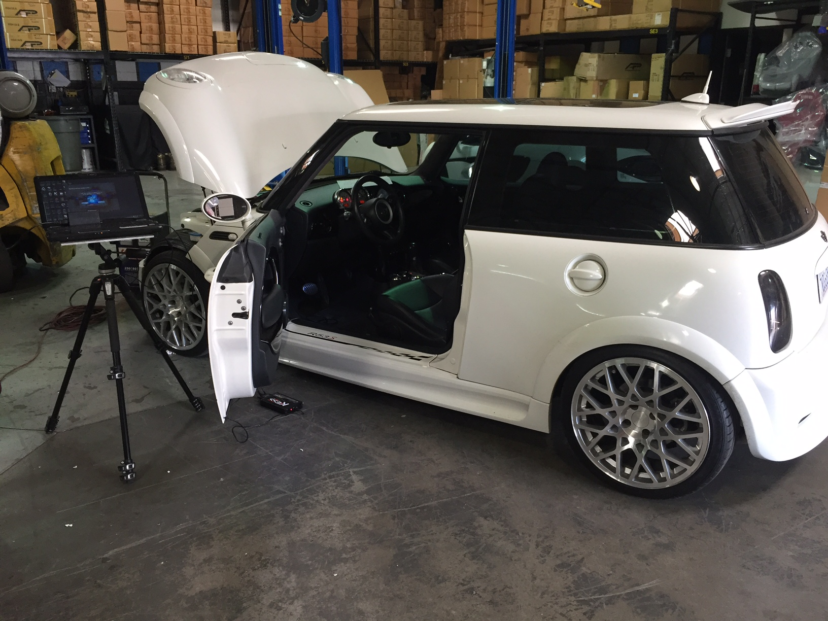 richard-mini-cooper-r53-flash-1