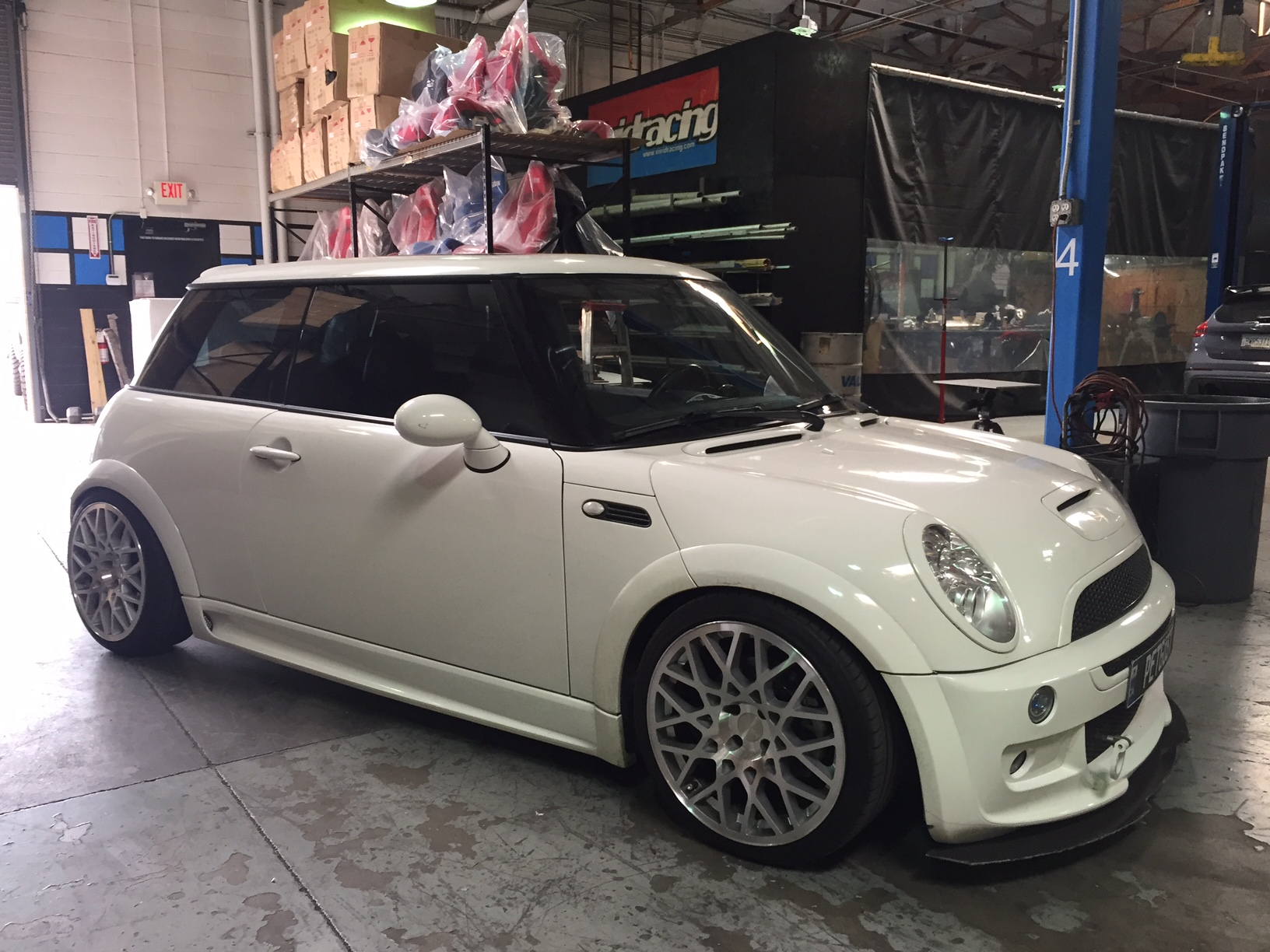 mini cooper s r53 gets vr tuned. Black Bedroom Furniture Sets. Home Design Ideas