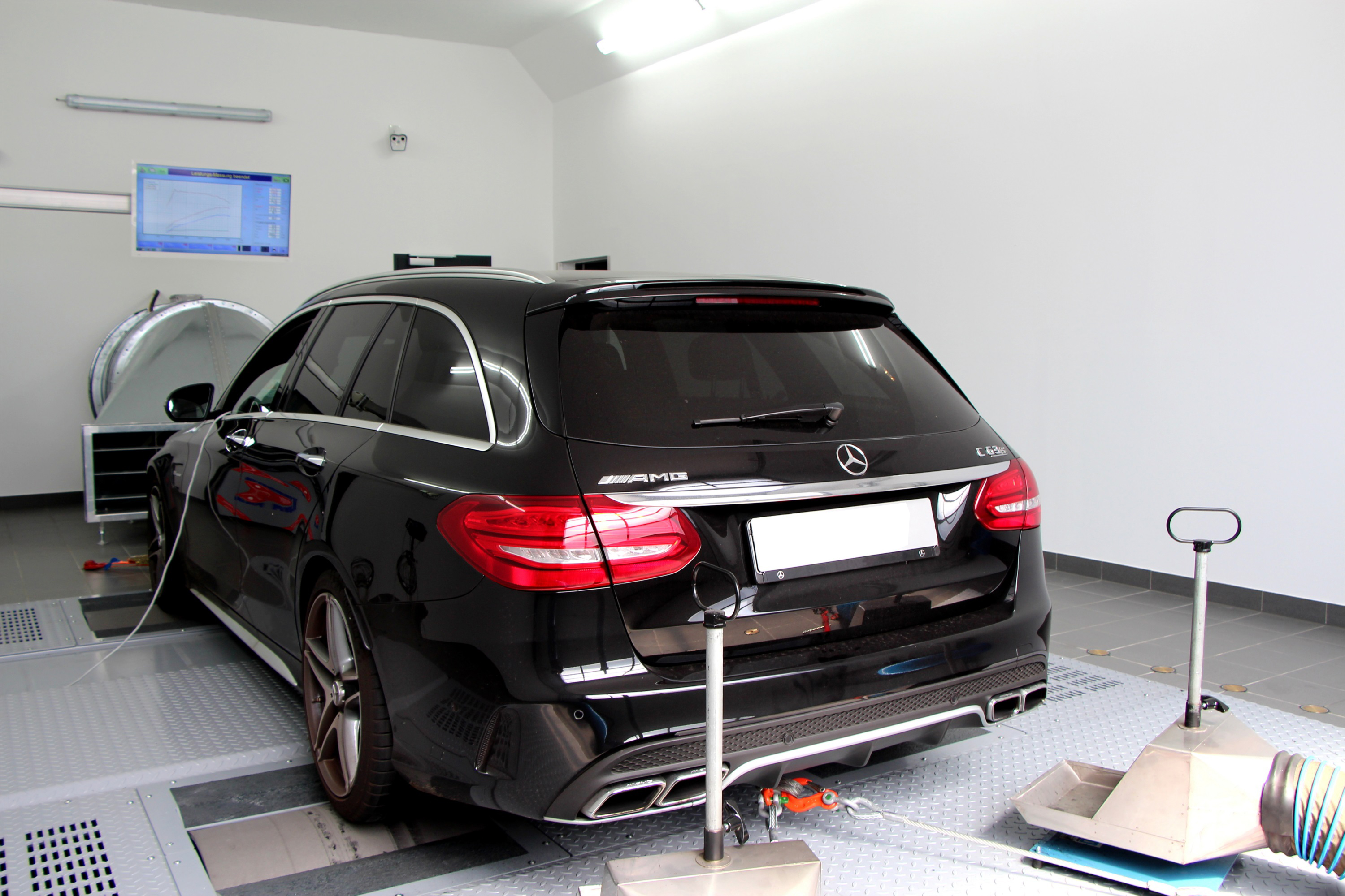 tuningbox-mercedes-63-amg-40L